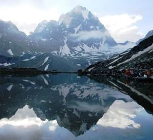 Maniamahesh Lake